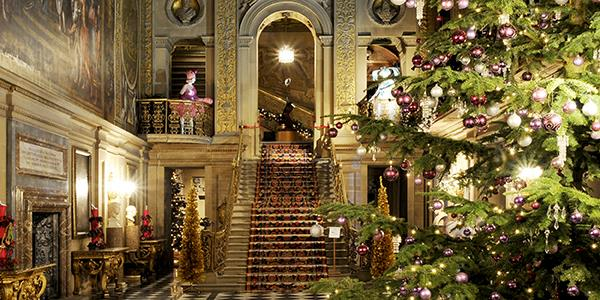 Christmas at Chatsworth Christmas at Chatsworth ... - Why You Must Spend Christmas At Chatsworth House - HPB