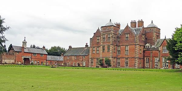Kiplin Hall - Image: https://commons.wikimedia.org
