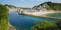 What to do in Looe? Visit this quaint little fishing town on the Cornish coast.